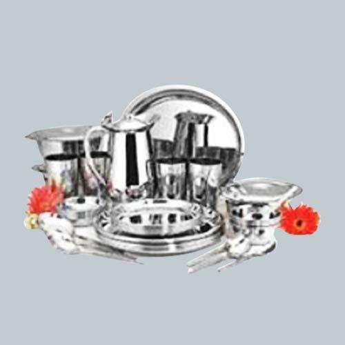 Beau Kitchen Ware Items