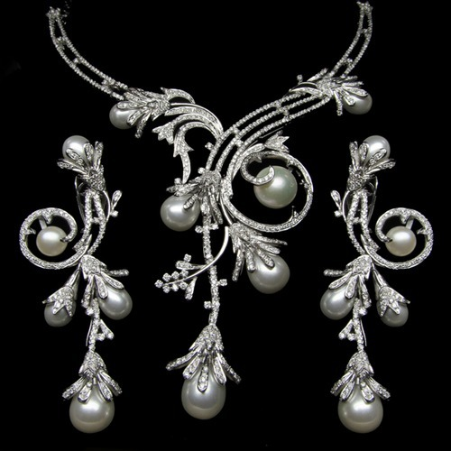 Diamond earring and necklace sets latest beautiful diamond for Diamond pearl jewelry sets