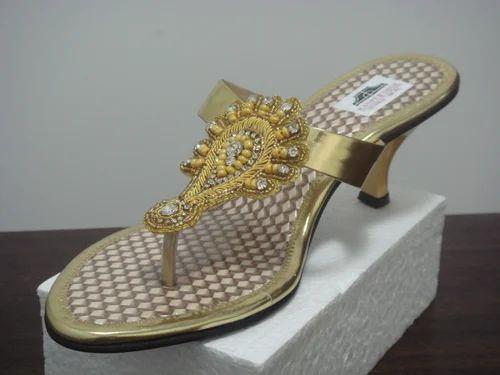 Ladies Footwear Catalouge - Ladies Hand