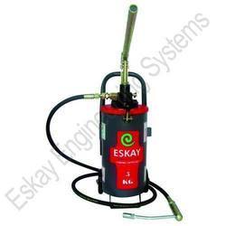 Hand Operated Grease Pump 5 Kg Capacity