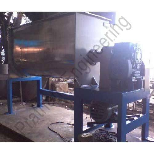 Mild Steel, Stainless Steel Ribbon Blender, Capacity: 1000 Kg
