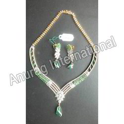 Diamond with Emerald Necklace Set