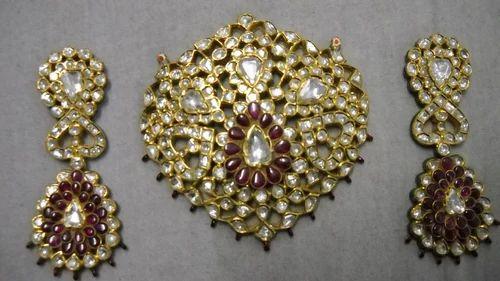 Kundan meena diamond polki pendant gbs jewellers jaipur id kundan meena diamond polki pendant aloadofball Choice Image