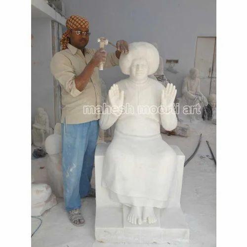 Sitting Pose Sathya Sai Statue