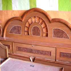 Simple diwan designs interesting wooden living room set for Double bed diwan set
