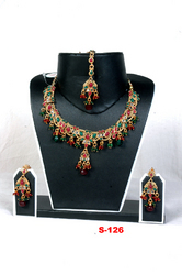 Beaded Necklace With Maang Tikka
