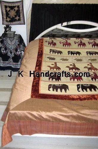 Printed Luxury Style Bedspread