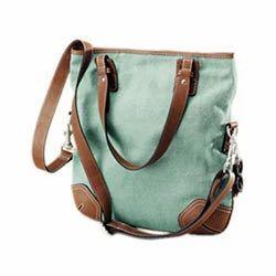 2afc587e90 Lightweight Canvas   Leather Combination Ladies Bag - Nascent ...