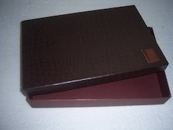 Custom 24 Piece Chocolate Boxes in Leather Look Paper, For Chocolates, Packaging Type: Custom