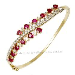Diamond Ruby Bracelet in Yellow Gold Bracelet