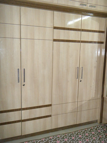 Plywoods Standard Wooden Bedroom Wardrobes, Rs 1500 /square feet ...