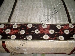 Home Furnishings / Decorative Bedding
