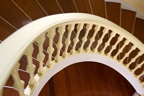 Round Staircase Wooden Railing
