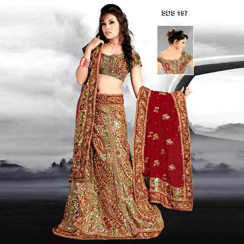 696b4df292 Bridal Embroidered Lehenga, Bridal Lehengas in Kohinoor Market ...
