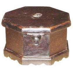 Boxes M-7630