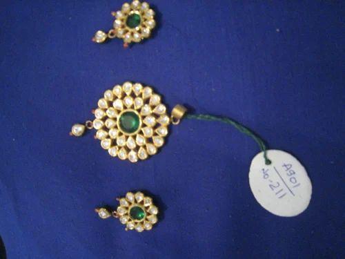 Kundan jewelry kundan polki pendant set manufacturer from jaipur aloadofball Choice Image
