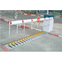 Boom Barrier with Tyre Killer