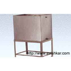 Master Tank Stainless Steel Body with Mild Steel Stand