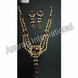 Beautifully Designed Kundan Necklace Sets
