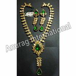 Emerald and Kundan Necklace Sets