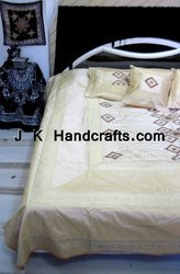 Fitted Beddings