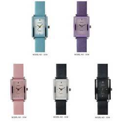 Ladies Leather Strap Wrist Watch